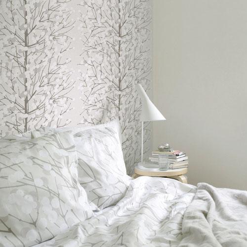 baltai pliki tapetai apsnigę medžiai miegamąjame