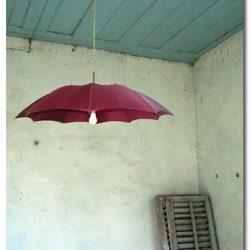 violetinis skėtis šviestuvas