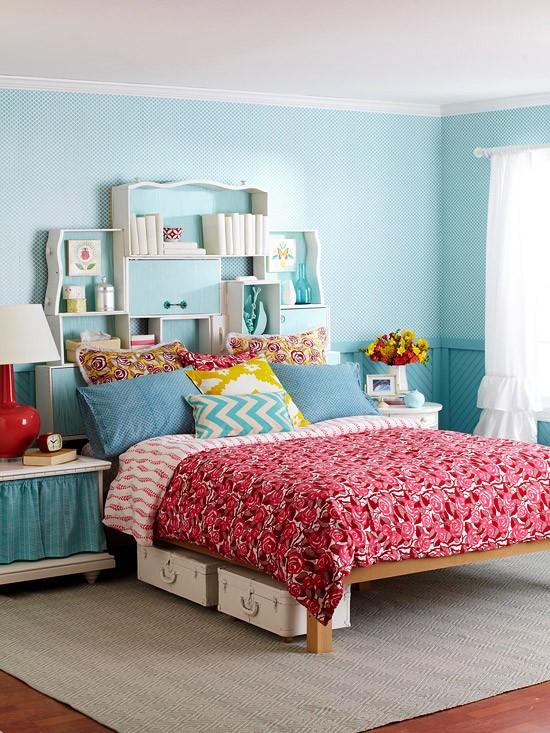 stalčiai lentyna virš lovos galvūgalio