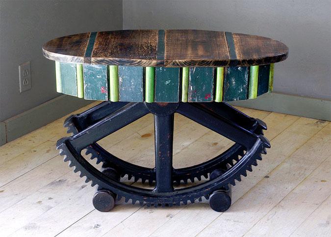 apvalus stalas ant ratukų is lentgaliu