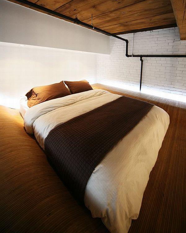 lova palubėje, nedidelis butas
