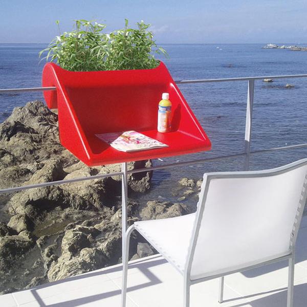ant balkono remu pakabinamas staliukas raudonas