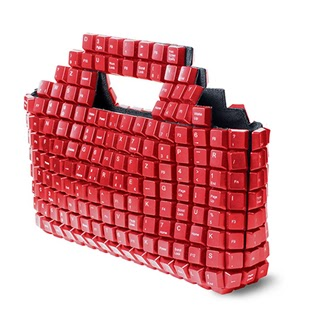 rankinukas raudoni klavisai